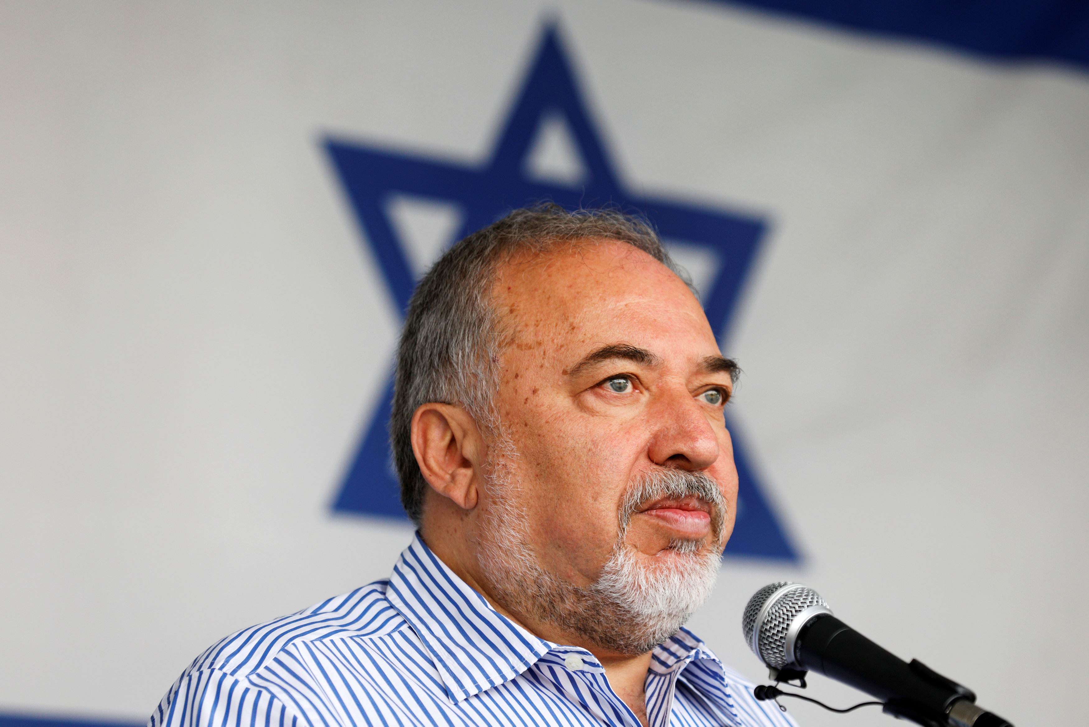 FILE PHOTO: Israeli Defense Minister Avigdor Lieberman visits Gaza's Kerem Shalom crossing, the strip's main commercial border terminal, July 22, 2018. REUTERS/Amir Cohen/File Photo