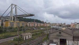 The collapsed Morandi Bridge is seen in the Italian port city of Genoa, Italy, August 14, 2018. Local Team via Reuters TV/REUTERS