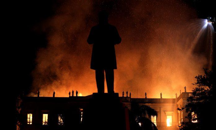 A fire burns at the National Museum of Brazil in Rio de Janeiro, Brazil September 2, 2018. REUTERS/Ricardo Moraes