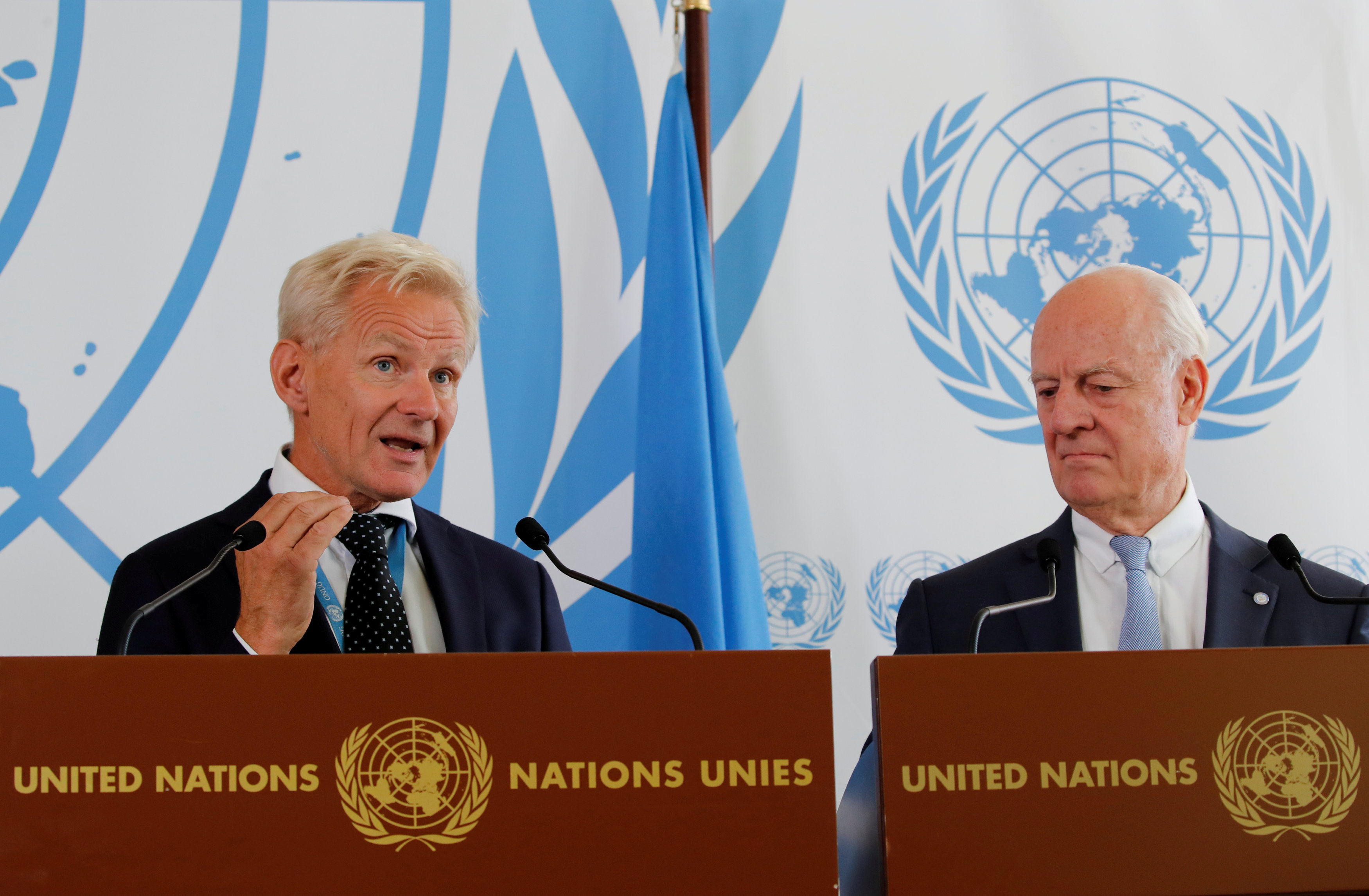 Jan Egeland (L), Special Advisor to the United Nations Special Envoy for Syria, and Staffan de Mistura, U.N. Syria Envoy, attend a news conference at the U.N. in Geneva, Switzerland September 4, 2018. REUTERS/Denis Balibouse