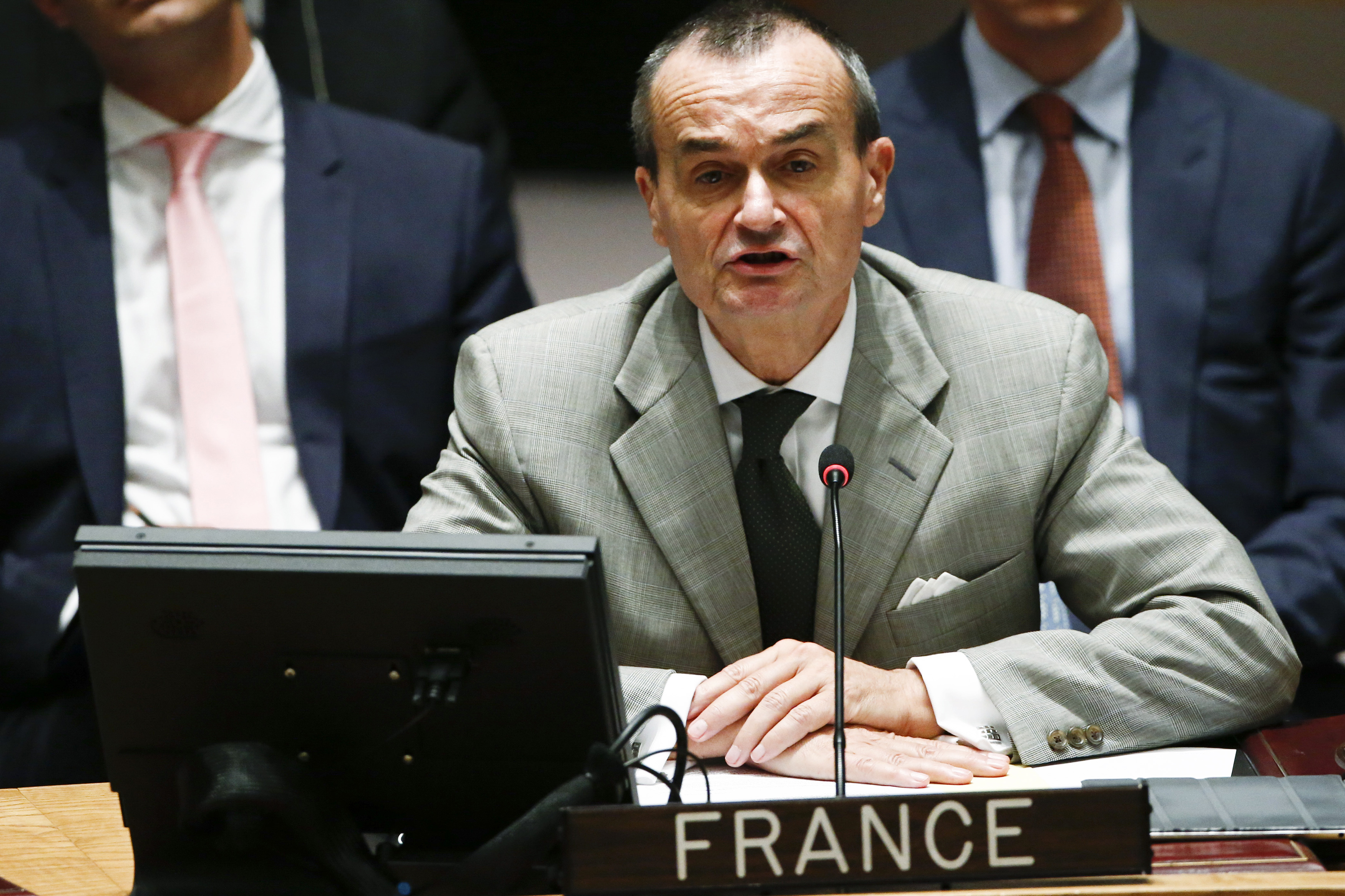 FILE PHOTO: French Ambassador to the U.N. Gerard Araud addresses the Security Council during a meeting about the situation in the Middle East, including Palestine, at United Nations headquarters in New York, July 22, 2014. REUTERS/Eduardo Munoz