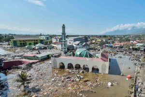 An aerial view of the Baiturrahman mosque which was hit by a tsunami, after a quake in West Palu, Central Sulawesi. Antara Foto/Muhammad Adimaja/via REUTERS