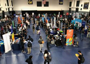 Students attend the University of California, Berkeley's electrical engineering and computer sciences career fair in Berkeley, California, in September. REUTERS/Ann Saphir