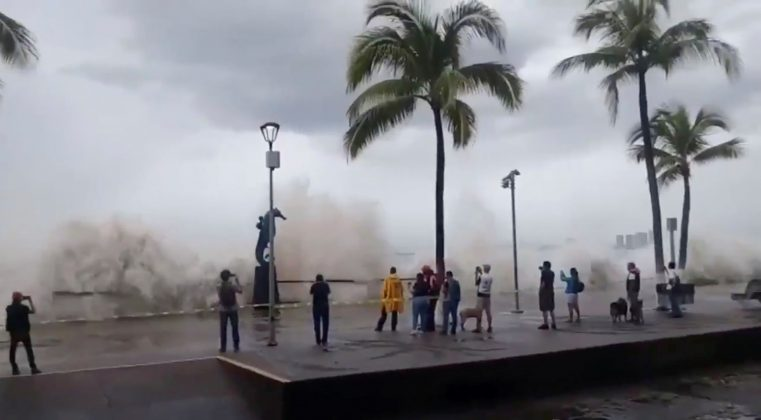 Hurricane Willa brings high waves to Puerto Vallarta, Mexico, October 23, 2018, in this still image taken froma video obtained on social media. Edgar Paredes, Irma Paredes via REUTERS