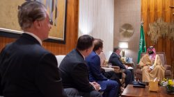 Saudi Crown Prince Mohammed bin Salmanin meets with the delegation of American Evangelical Christian Leaders in Riyadh, Saudi Arabia November 1, 2018. Bandar Algaloud/Courtesy of Saudi Royal Court/Handout via REUTERS