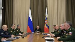 Russia's President Vladimir Putin chairs a meeting with top officials of the Russian Defence Ministry in Sochi, Russia November 19, 2018. Picture taken November 19, 2018. Sputnik/Alexei Nikolsky/Kremlin via REUTERS