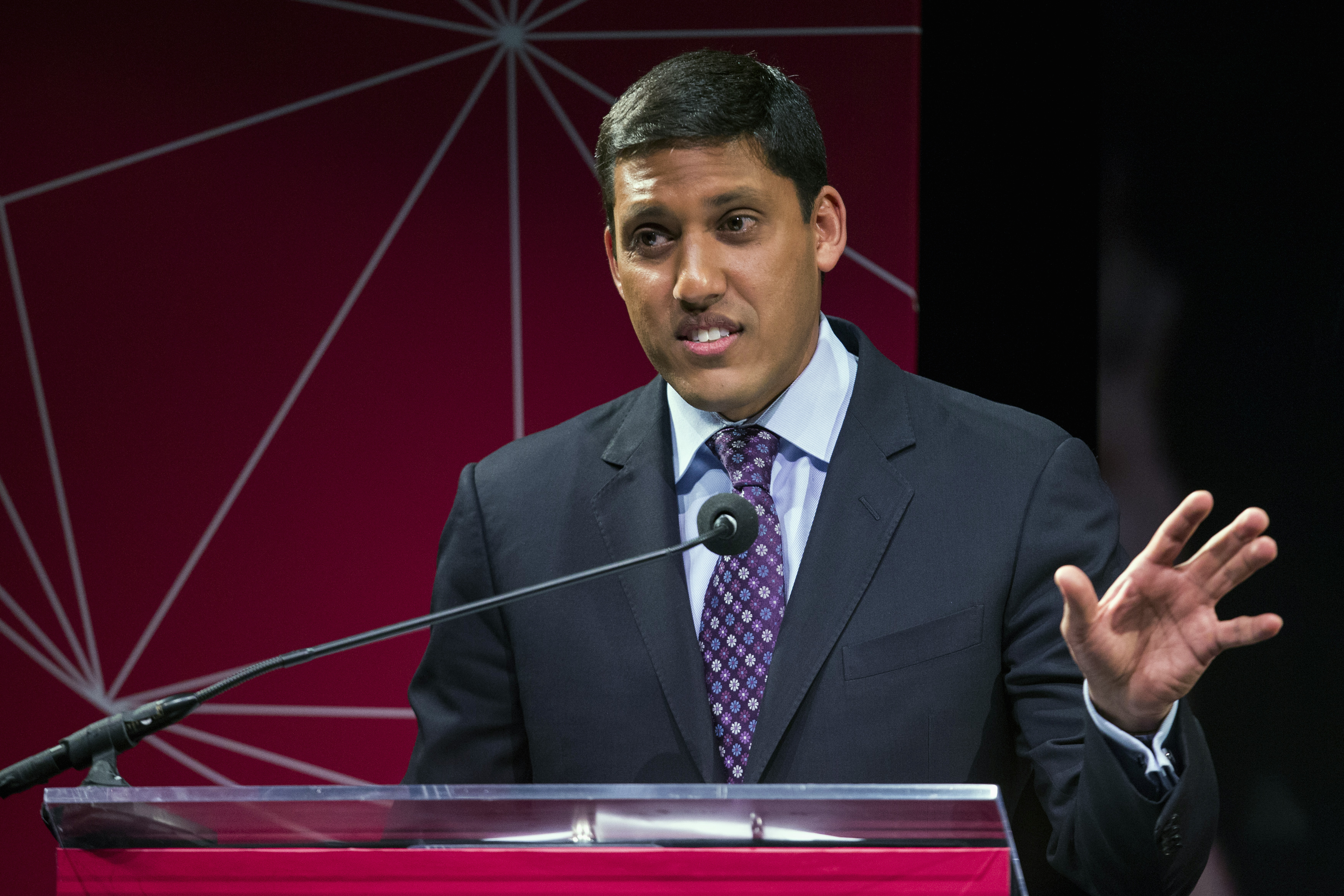 FILE PHOTO: U.S. Agency for International Development (USAID) Administrator Rajiv Shah gestures during the announcement of the U.S. Global Development Lab to help end extreme poverty by 2030, in New York April 3, 2014. REUTERS/Lucas Jackson
