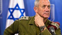 FILE PHOTO: Israeli military chief Lieutenant-General Benny Gantz attends a news conference in Tel Aviv, Israel July 28, 2014. REUTERS/Nir Elias/File Photo