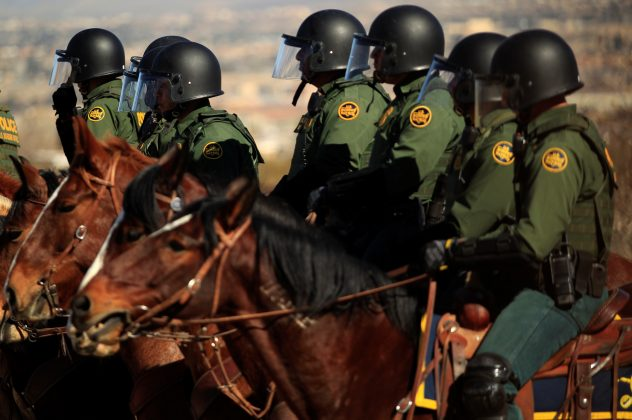 Agents of El Paso Sector U. S. Border Patrol conduct a Mobile Field Force training exercise in the Anapra area of Sunland Park, New Mexico, as seen from the Mexican side of the border in Ciudad Juarez, Mexico January 31, 2019. REUTERS/Jose Luis Gonzalez