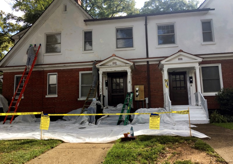 FILE PHOTO: Homes at Fort Benning undergo lead paint removal as the U.S. Army mobilizes to protect residents against lead poisoning hazards in Fort Benning, Georgia, U.S., September 10, 2018. REUTERS/Andrea Januta/File Photo