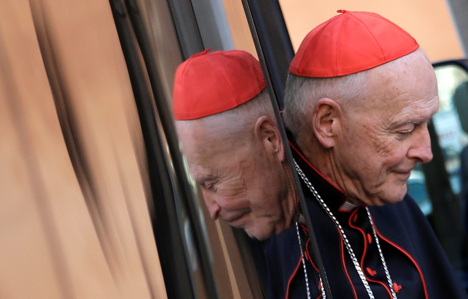 FILE PHOTO - U.S. Cardinal Theodore Edgar McCarrick arrives for a meeting at the Synod Hall in the Vatican March 4, 2013. REUTERS/Max Rossi
