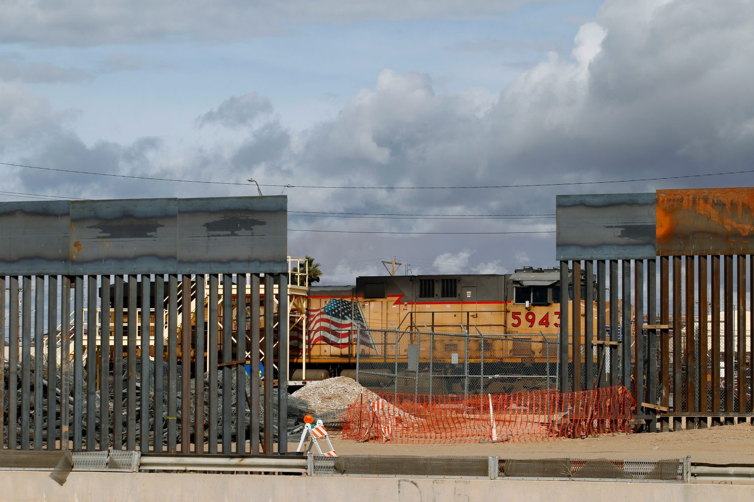 A view shows a new section of the border fence in El Paso, Texas, U.S., as seen from Ciudad Juarez, Mexico February 15, 2019. REUTERS/Jose Luis Gonzalez