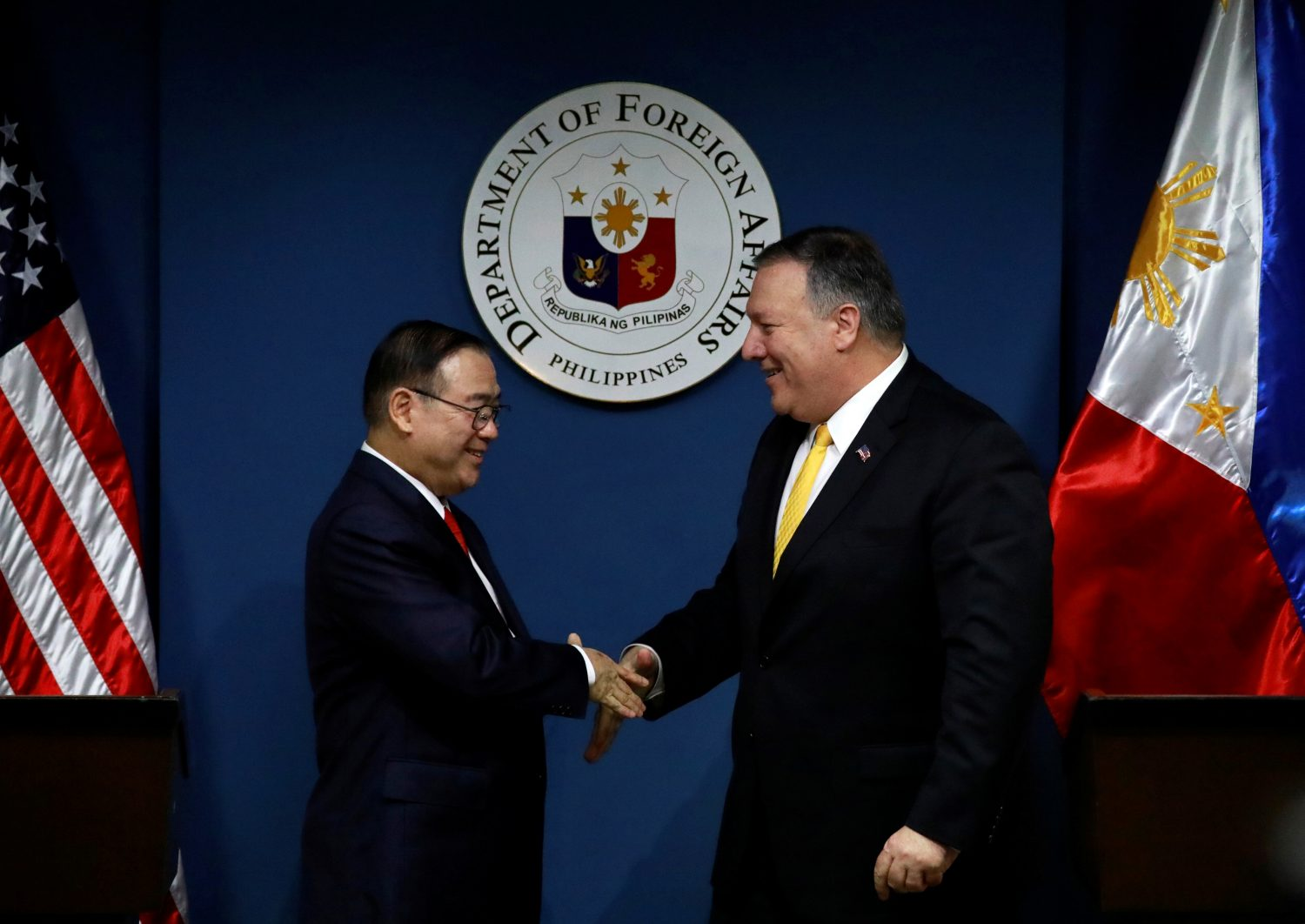 U.S. Secretary of State Mike Pompeo shakes hands with Philippine Foreign Secretary Teodoro Locsin Jr. at the Department of Foreign Affairs in Pasay City, Metro Manila, Philippines, March 1, 2019. REUTERS/Eloisa Lopez