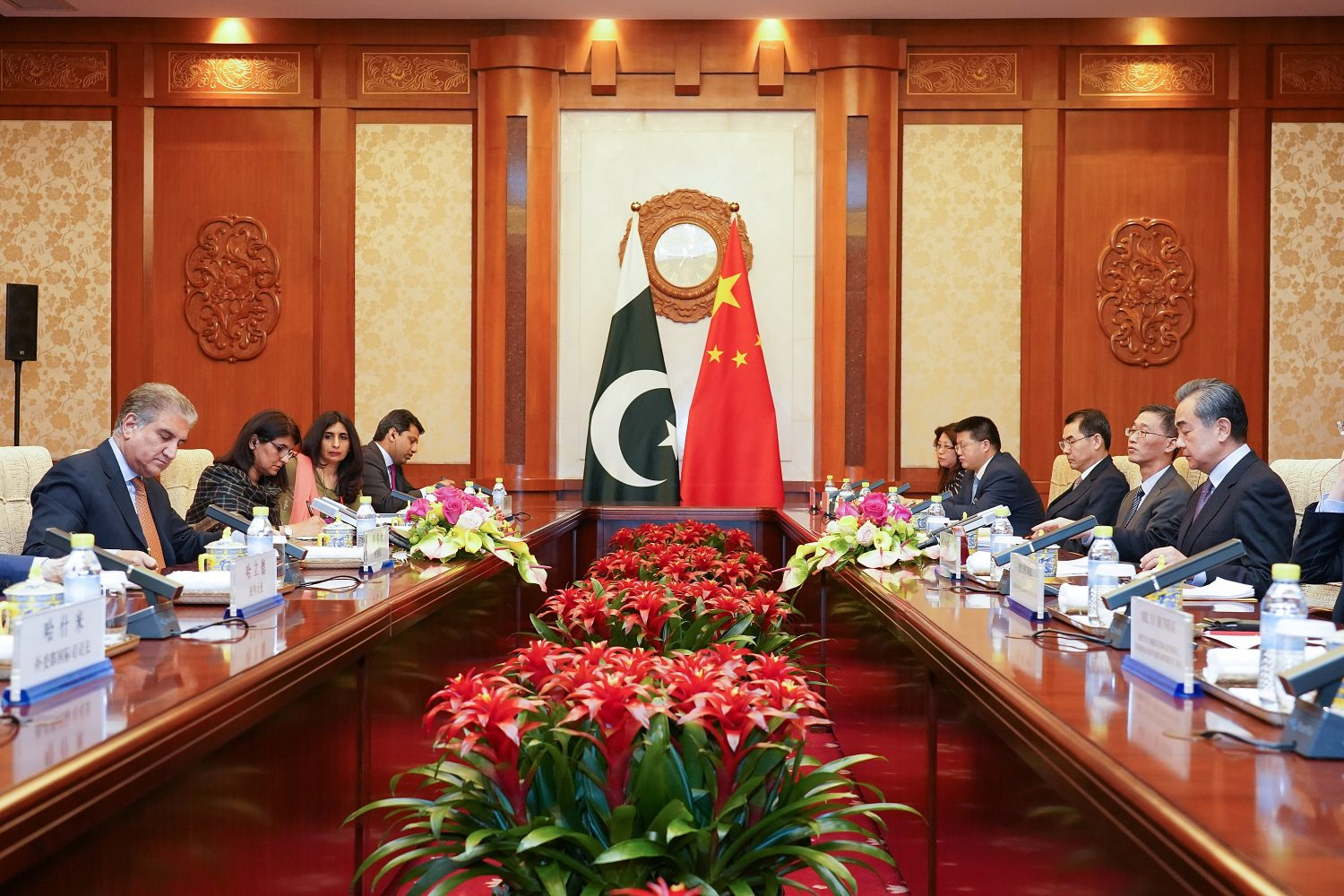 Chinese Foreign Minister Wang Yi and Pakistani Foreign Minister Shah Mehmood Qureshi attend a meeting at Diaoyutai State Guesthouse in Beijing, China, March 19, 2019. Andrea Verdelli/Pool via REUTERS