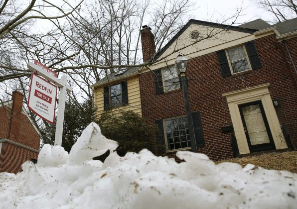 FILE PHOTO: An existing home for sale is seen in Silver Spring, Maryland February 21, 2014. REUTERS/Gary Cameron
