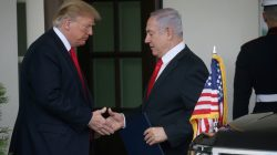 FILE PHOTO: U.S. President Donald Trump and Israeli Prime Minister Benjamin Netanyahu shake hands as Netanyahu departs the White House in Washington, March 25, 2019. REUTERS/Leah Millis/File Photo