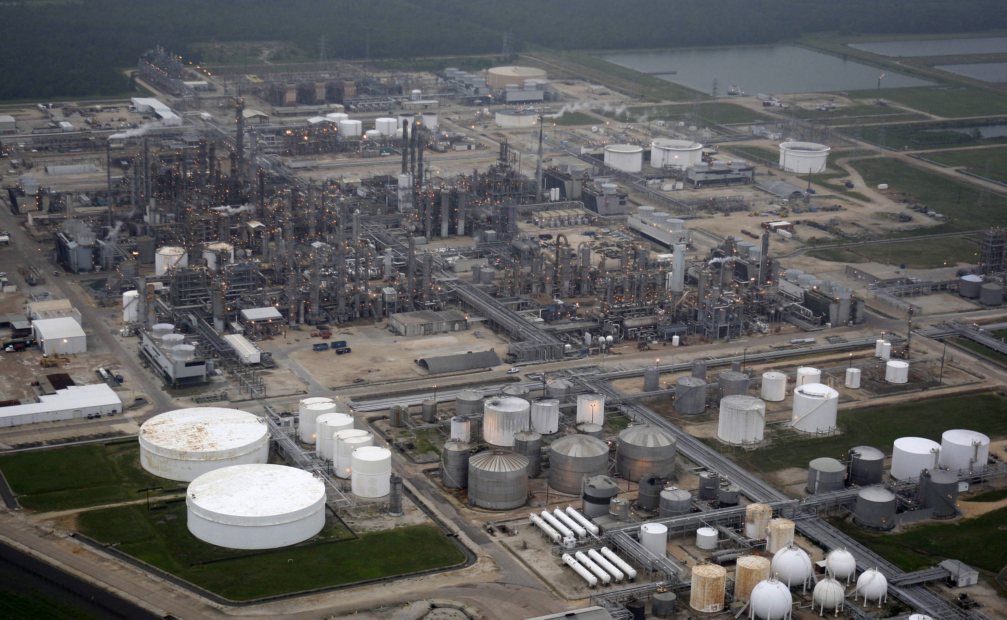 FILE PHOTO: A petrochemical facility is shown after Hurricane Ike hit in Deer Park, Texas September 13, 2008. REUTERS/David J. Phillip
