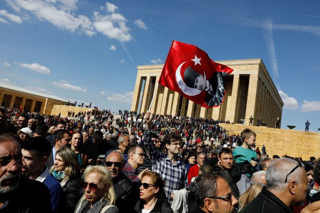 Supporters of Ekrem Imamoglu, main opposition Republican People's Party (CHP) candidate for mayor of Istanbul, wait for him to visit Anitkabir, the mausoleum of modern Turkey's founder Mustafa Kemal Ataturk, in Ankara, Turkey, April 2, 2019. REUTERS/Umit Bektas