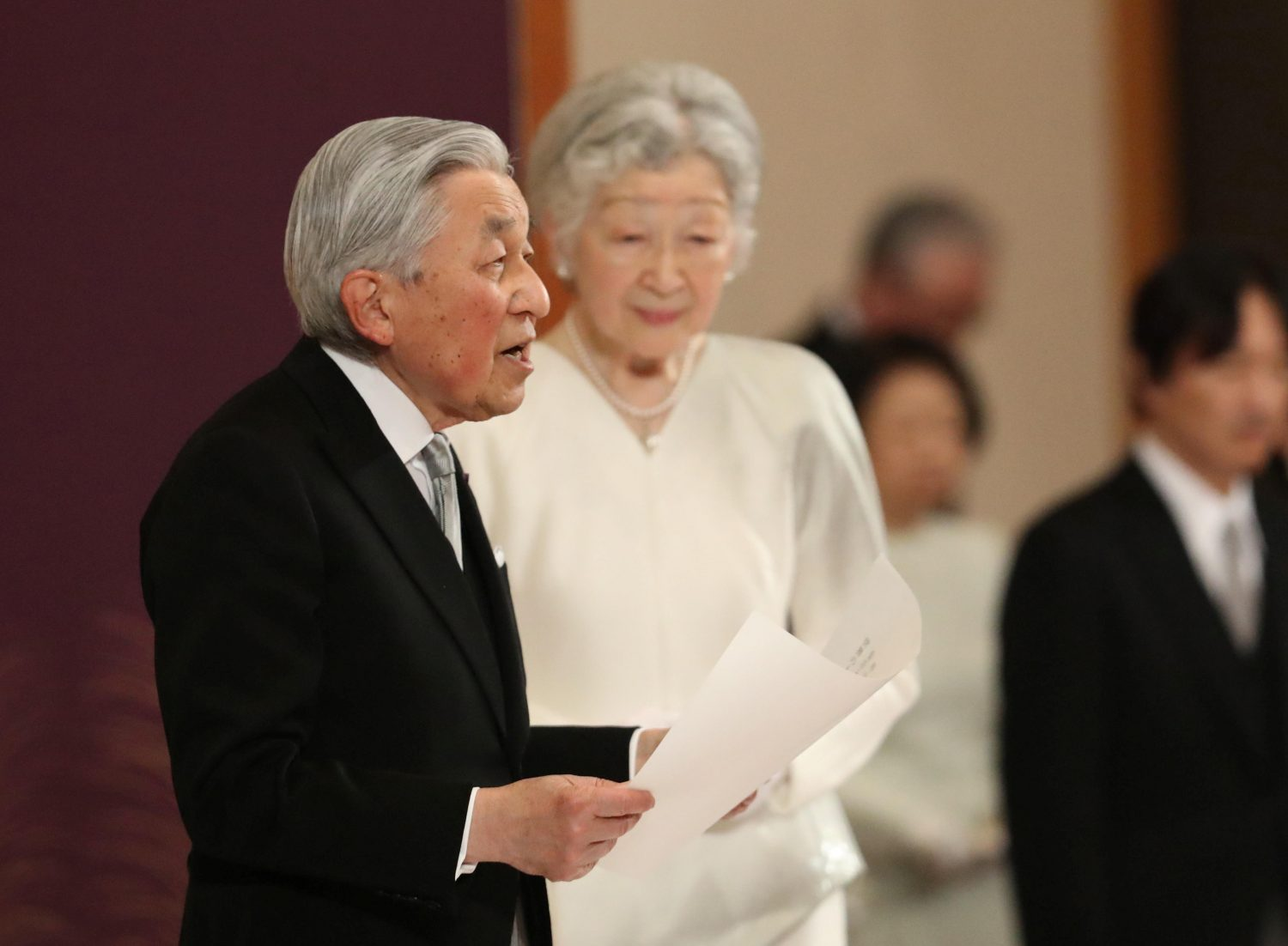 Japan's Emperor Akihito, flanked by Empress Michiko, delivers a speech during a ritual called Taiirei-Seiden-no-gi, a ceremony for the Emperor's abdication, at the Imperial Palace in Tokyo, Japan April 30, 2019. Japan Pool/Pool via REUTERS JAPAN OUT. NO RESALES. NO ARCHIVES.