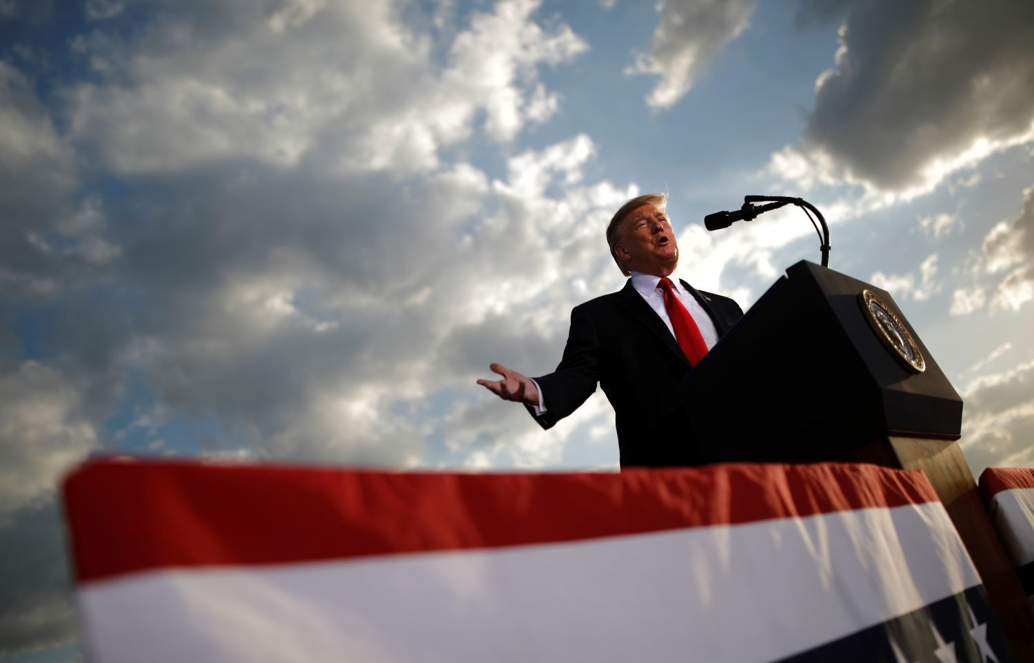 FILE PHOTO - U.S. President Donald Trump addresses a Trump 2020 re-election campaign rally in Montoursville, Pennsylvania, U.S. May 20, 2019.    REUTERS/Carlos Barria