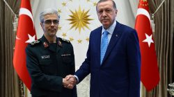 Turkish President Tayyip Erdogan meets with Iran's Chief of Staff Major General Mohammad Baqeri in Ankara, Turkey August 16, 2017. Kayhan Ozer/Presidential Palace/Handout via REUTERS