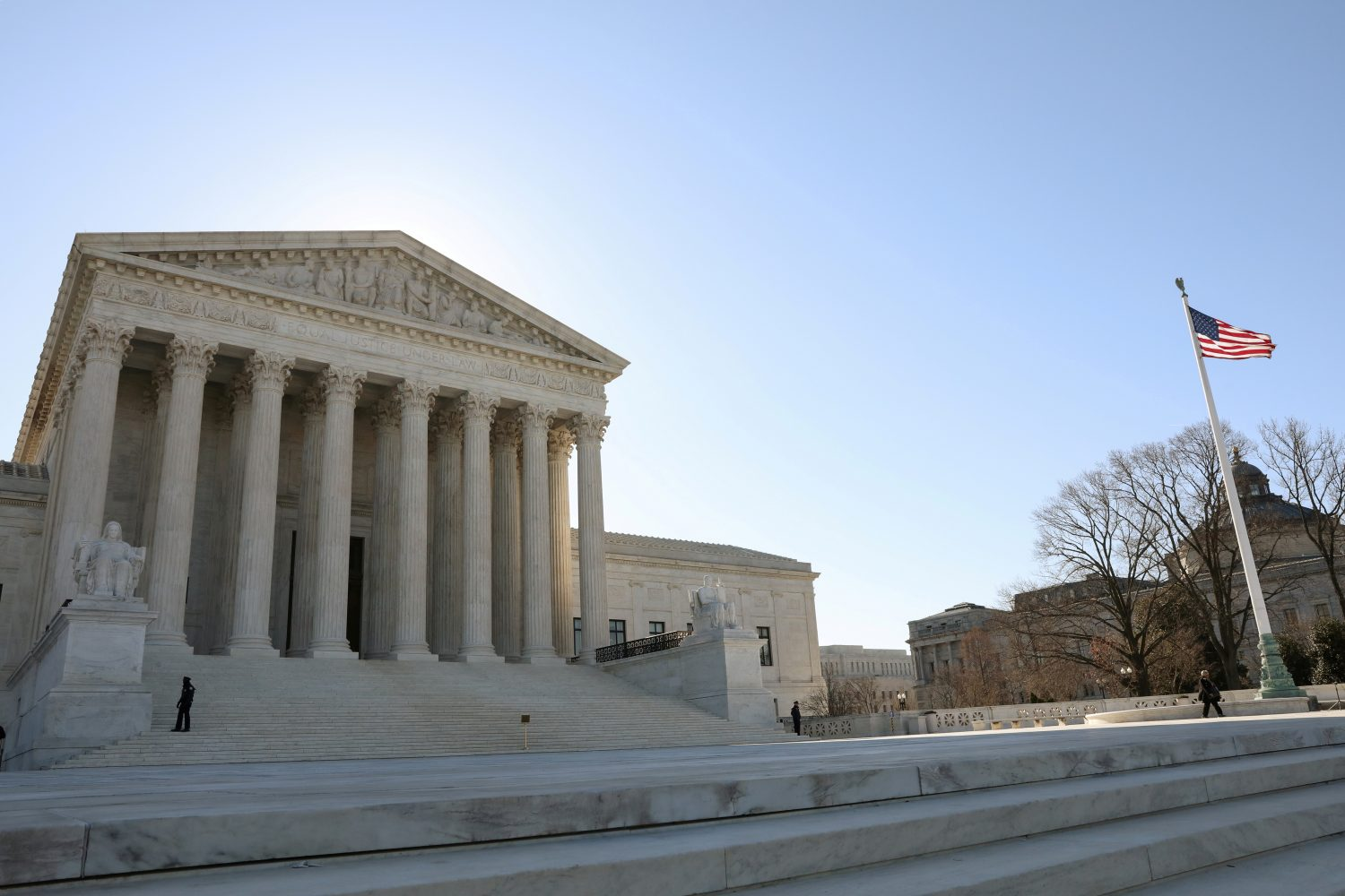 FILE PHOTO: The U.S. Supreme Court building is seen in Washington, U.S., March 26, 2019. REUTERS/Brendan McDermid/File Photo