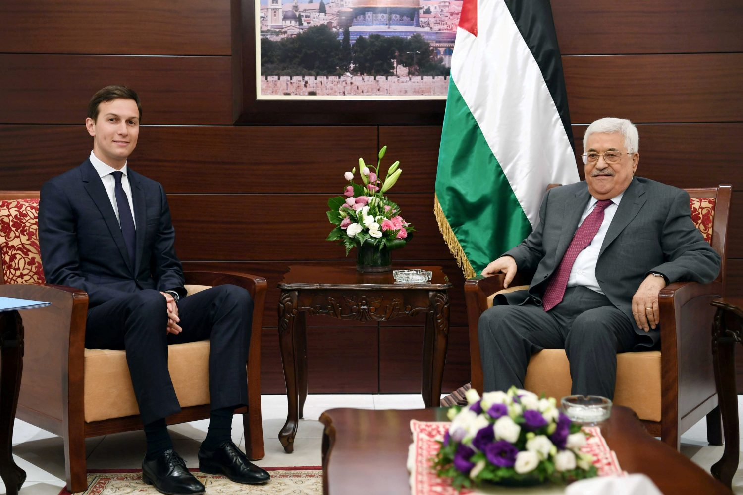 FILE PHOTO: Palestinian President Mahmoud Abbas meets with White House senior advisor Jared Kushner in the West Bank City of Ramallah in the Israeli-occupied West Bank June 21, 2017. Thaer Ghanaim/PPO/Handout via REUTERS/File Photo