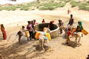 Children pull water from a water well in the village of Islim in the northern province of Hajjah, Yemen, June 9, 2019. REUTERS/Eissa Alragehi