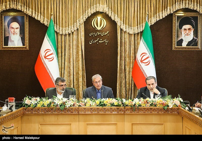 Abbas Araqchi, Iranian deputy foreign minister for political affairs (R), Behrouz Kamalvandi, Iran's Atomic Energy Organization spokesman (L) and Iran's government spokesman Ali Rabiei attend a news conferenece in Tehran, Iran July 7, 2019. Tasnim News Agency/Handout via REUTERS