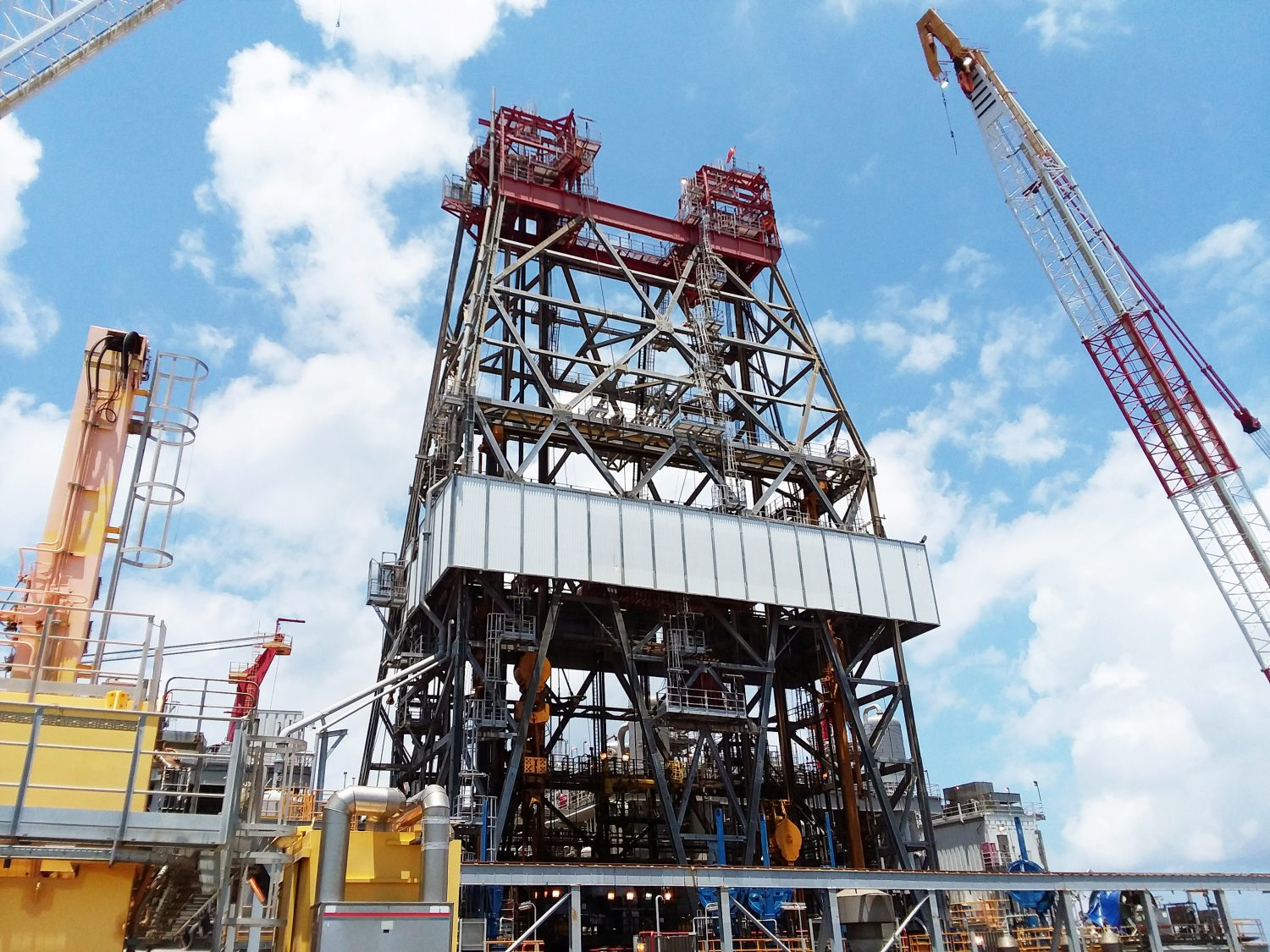 FILE PHOTO: A massive drilling derrick is pictured on BP's Thunder Horse Oil Platform in the Gulf of Mexico, 150 miles from the Louisiana coast, May 11, 2017. REUTERS/Jessica Resnick-Ault/File Photo