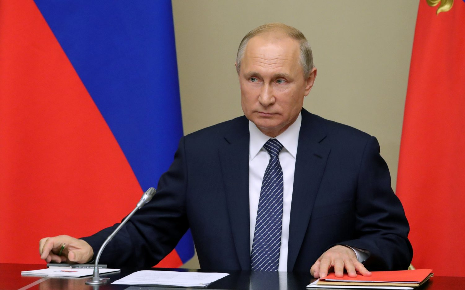 Russian President Vladimir Putin chairs a meeting with members of the Security Council at the Novo-Ogaryovo state residence outside Moscow, Russia August 5, 2019. Sputnik/Mikhail Klimentyev/Kremlin via REUTERS